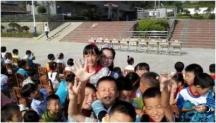 湖南省汝城县白泉镇合动阳光希望小学节日行